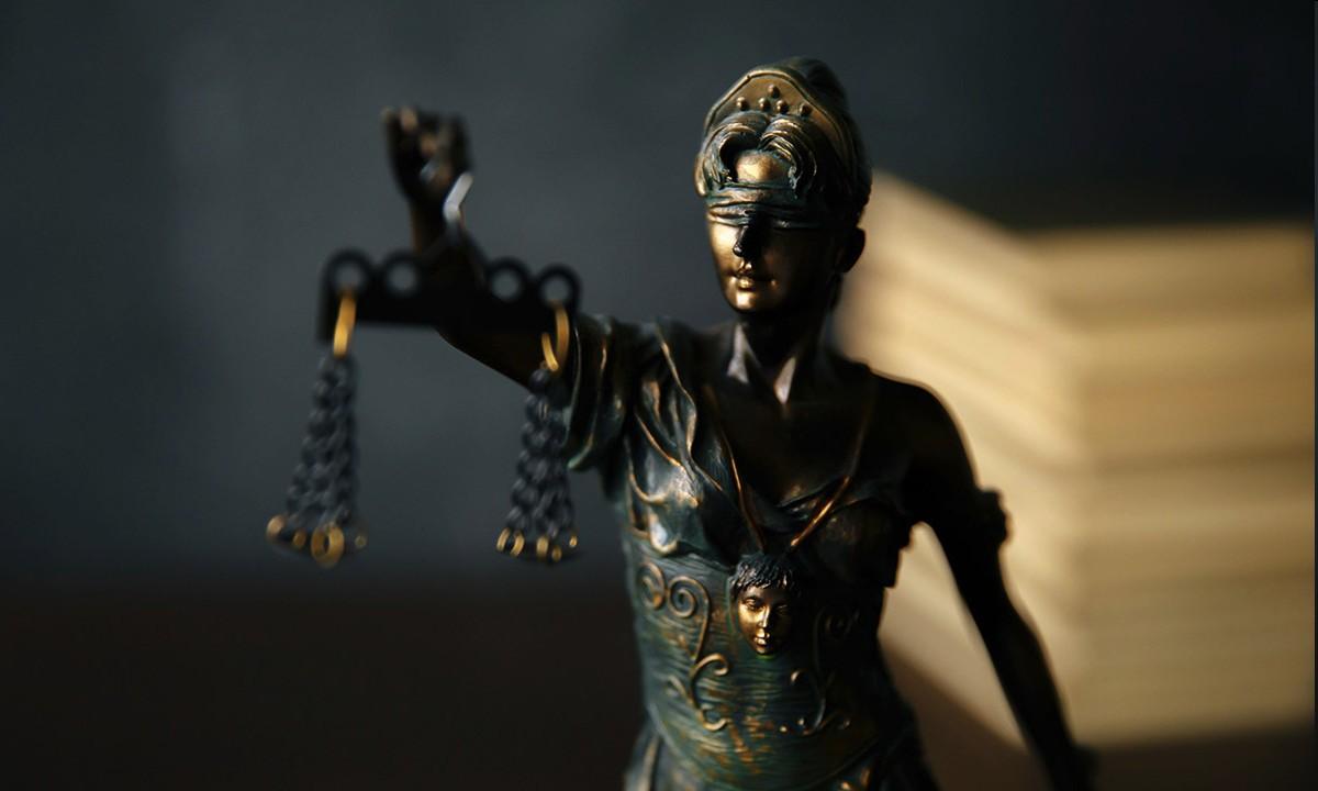 Was dürfen Ärzte als Gerichtsgutachter sagen?