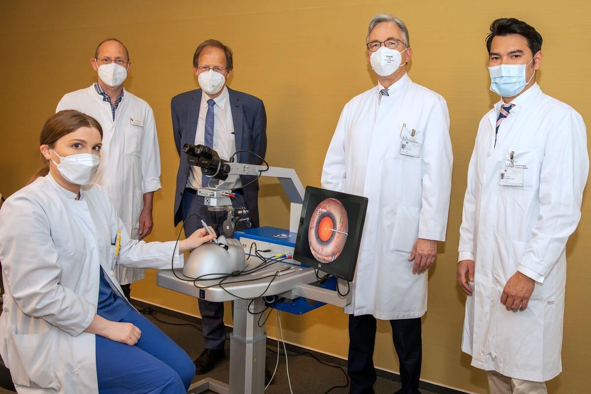 Training am virtuellen Auge: Neuer OP-Simulator an der Universitätsaugenklinik Bonn