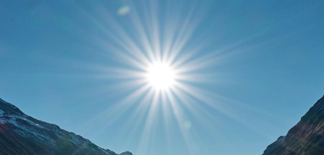 Augen vor zu viel Sonnenlicht schützen - Ophthalmologen an der Aktualisierung der Leitlinie zur Prävention von Hautkrebs beteiligt