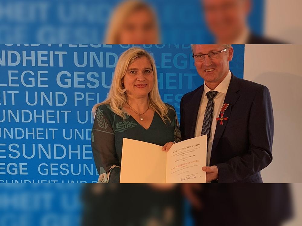 Wegweisendes Engagement mit dem Bundesverdienstkreuz ausgezeichnet